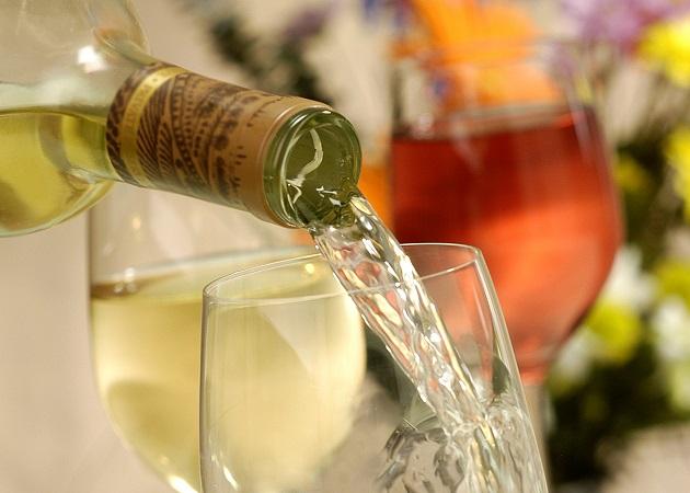 St wine and friends viinikerho viinipäiväntasaus valkoviini