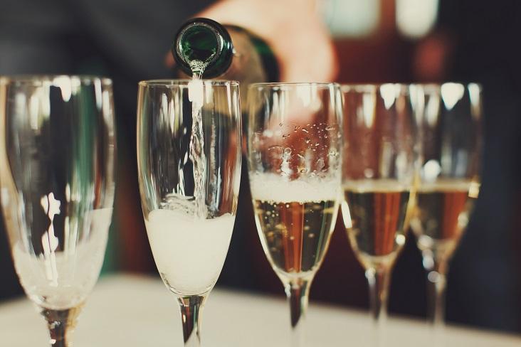 Hyvän hinta-laatusuhteen samppanjat suositus Grand Champagne Helsinki 2017