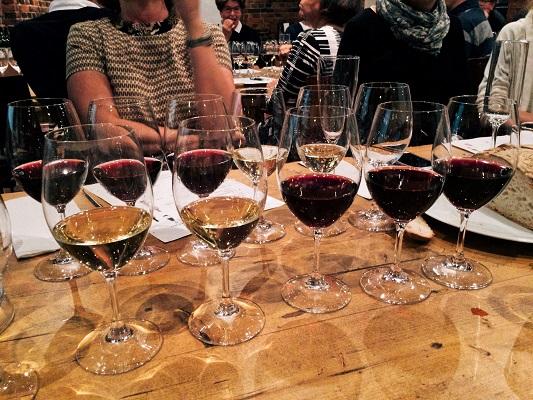 Vindirekt tasting Winecellars St Wine and Friends viinikerho