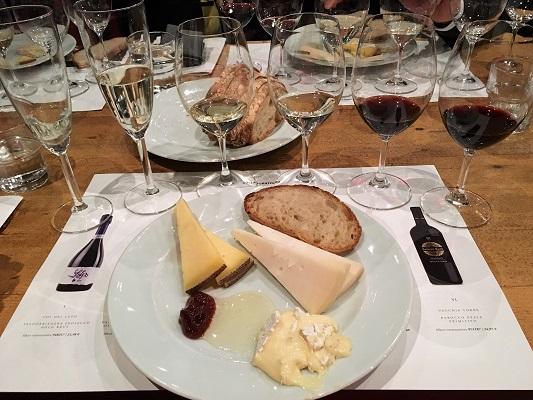 Collaboratorio tasting st wine and friends viinikerho juustot