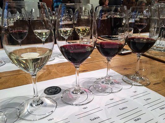 Viinilehden vuoden viinit 2017 tasting St wine and friends viinikerho
