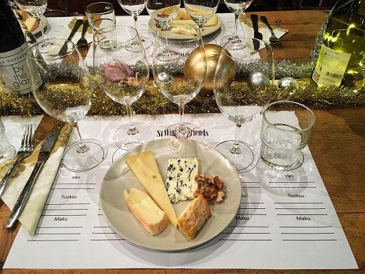 Juhlavat juustot ja viinit tasting stwineandfriends viinikerho juustot