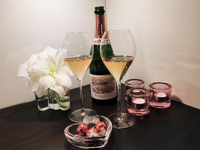 Viinileidien lasissa nyt La Vida al Camp Rose Cava Brut kuohuviini