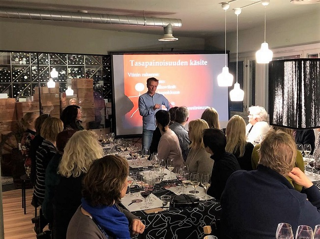 Vuoden viini 2018 tasting Viinilehti st wine and friends viinikerho