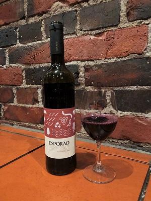 Viinileidien lasissa nyt Esporão Colheita punaviini